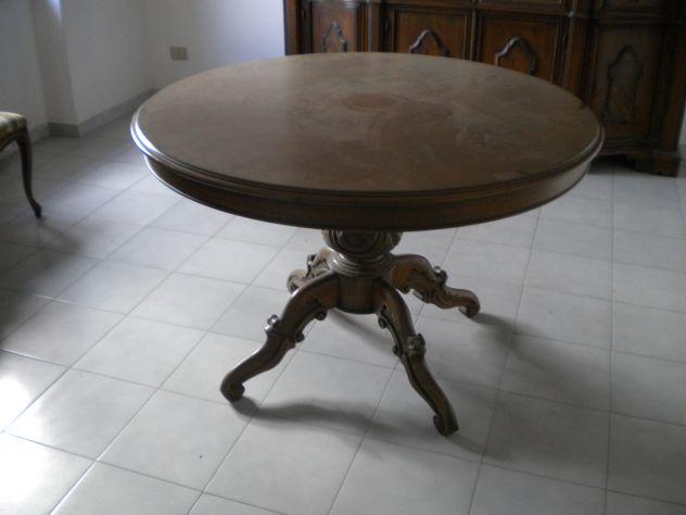 Soggiorno classico completo realizzato in legno color noce, usato. - Foto 3