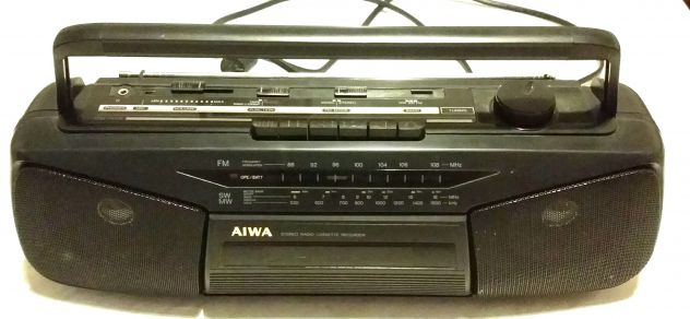 STEREO AIWA MOD.CS-N15Z A CASSETTE RADIO RECORDER FUNZIONA A CORRENTE/BATTERIA