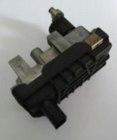 Attuatore elettronico per turbocompressore