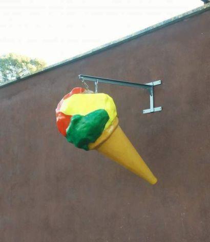 Insegna Gelato a bandiera di un cono gelato in vetroresina a COSENZA - Foto 2