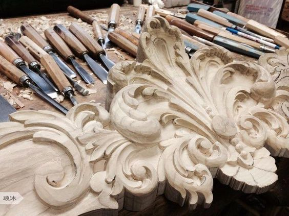 Intaglio e restauro scultoreo in legno