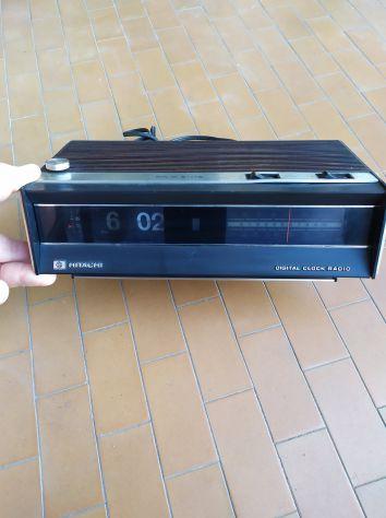 Hitachi digital clock radio vintage KC-770E