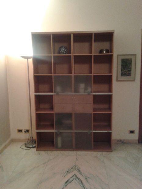 Libreria con vetrina 24 scomparti e cassetti, BELLISSIMA - Annunci ...