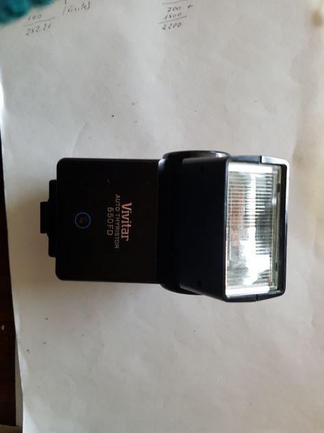 Flash elettronico accoppiato in automatico Vivitar 550 FDN