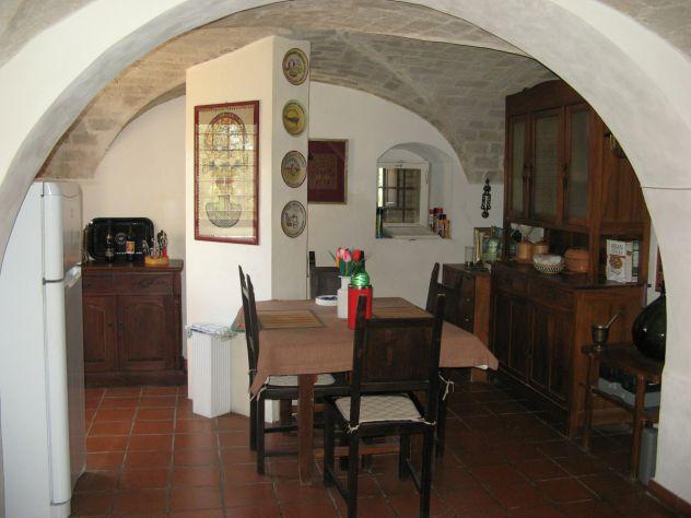 Casa in campagna con ampio giardino ed oliveto - Foto 4
