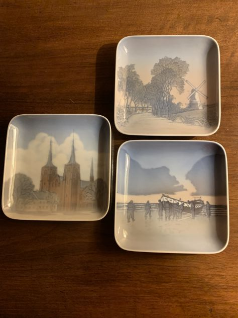 Piatti Royal Copenhagen B&G quadati ceramica