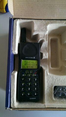 Telefono cellulare Ericsson GH 688