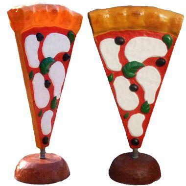 Insegna pubblicitaria: pizza in vetroresina a parete e totem a CREMONA