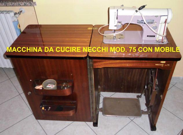 Macchina da cucire NECCHI mod. 75 con mobile