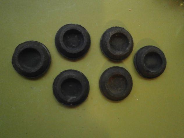 Gommini cofano posteriore Fiat 500 126 850 127 128 1100  misura 43x30mm - Foto 4