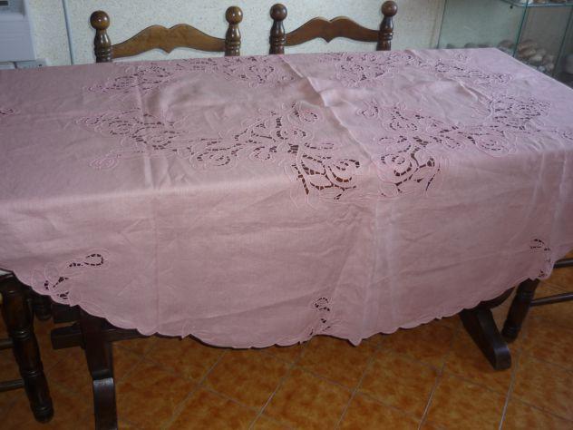 Tovaglie,asciugamani,grembiuli,centrini ricamati o dipinti a mano - Foto 5
