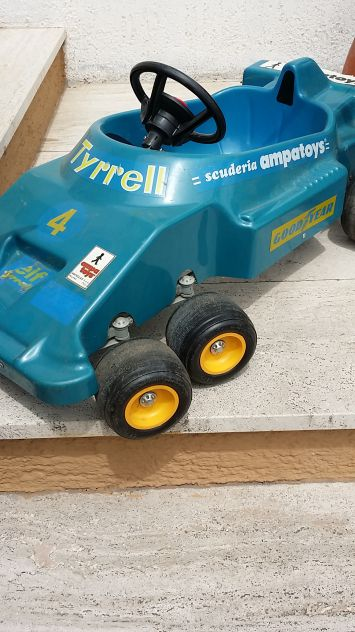 Tyrrell p6 a pedali 6 ruote ampatoys