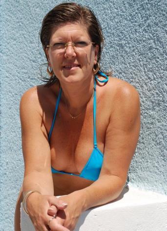Donna di Roma, 44 anni.  Fisico Sportivo