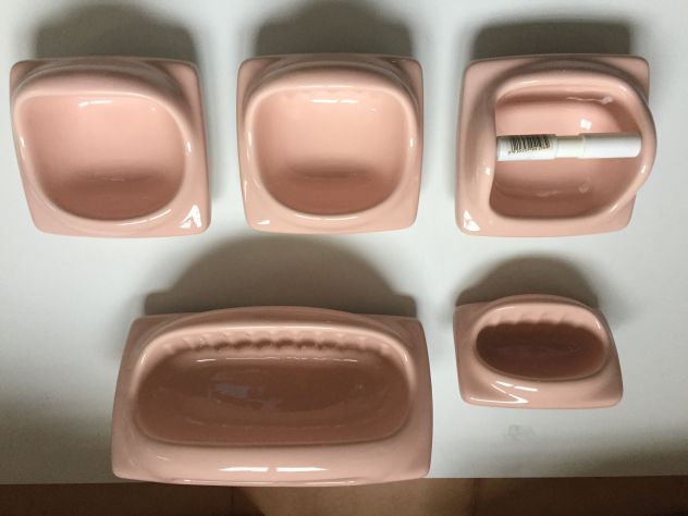 Accessori Bagno Vintage : Accessori da bagno vintage in porcellana rosa orientale ad