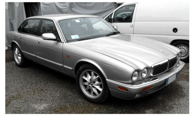 JAGUAR XJ8 4.0 EXECUTIVE ISCRITTA ASI
