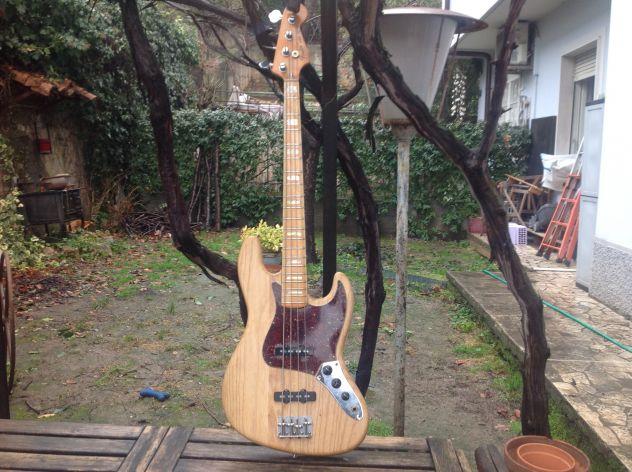 Fender jazz 1977