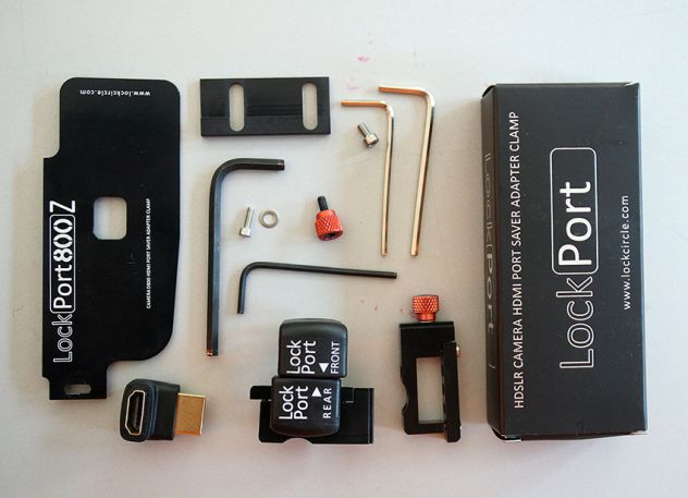 Nikon D800 - LOCK CIRCLE HDMI port saver clamp