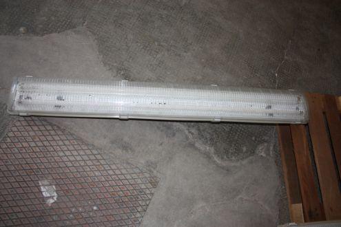 Plafoniera Neon 150 Cm Disano : Stock plafoniera incasso neon regalo