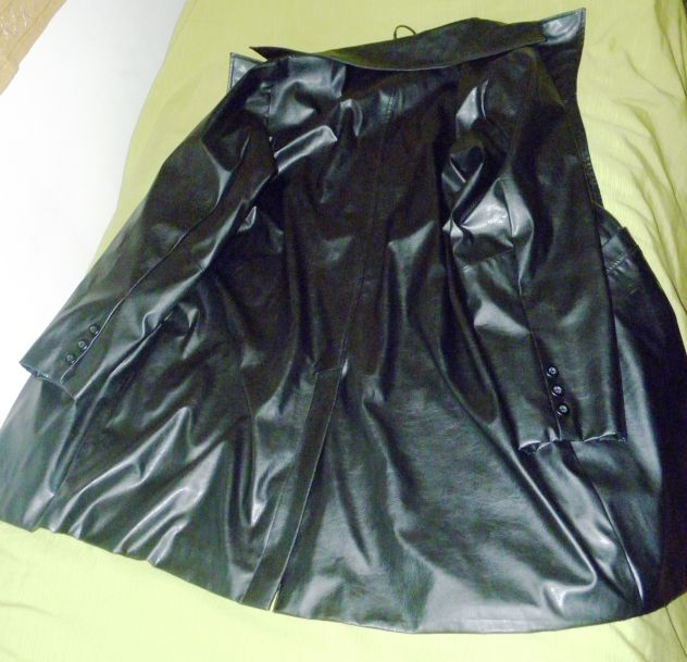 Cappotto in ecopelle nera taglia 52 - Foto 2