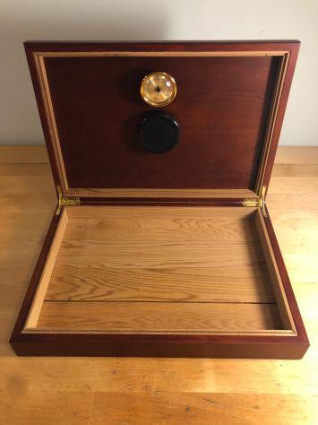 Humidor per sigari in legno massello