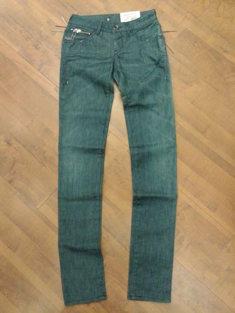 Stock Lotto Jeans Donna Ragazza da 3 pezzi a 50 pezzi a 30,00euro