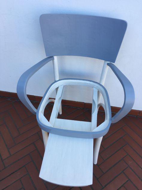sedia - poltrona (comoda) degli anni 40 vintage shabby bianco grigio - Foto 6