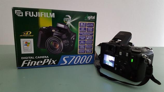 FOTOCAMERA DIGITALE FUJIFILM FinePix S7000 Usato Euro 280