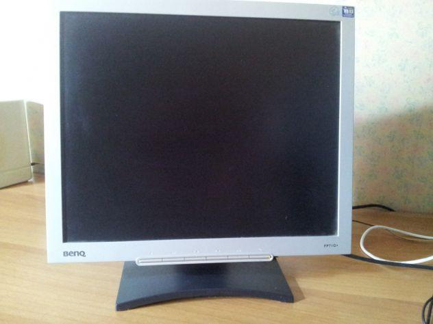 Monitor LCD BenQ FP71G+ da 17 pollici, risoluzione massima 1280 x 1024, pixel