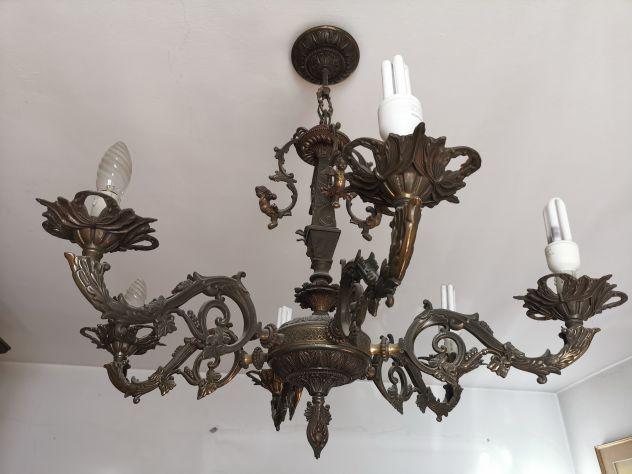 2 lampadari in bronzo e ottone, prodotti in Italia nel 1970
