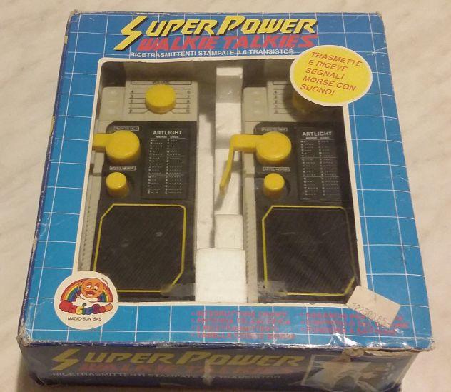 Super Powers Walkie Talkies Ricetrasmittenti stampate a 6 transistor nuovo