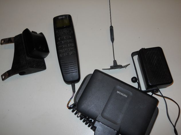 Telefoni veicolari GSM anni 90