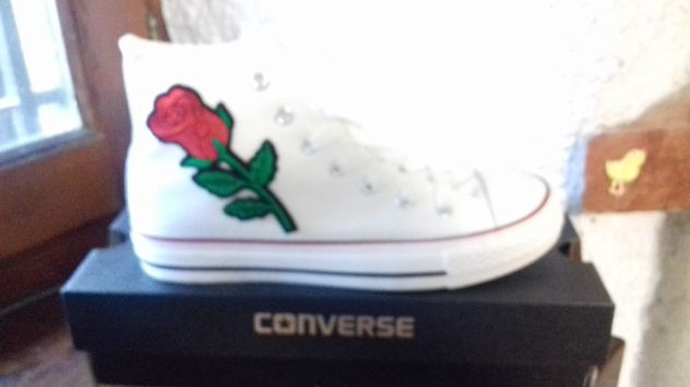 scarpe converse con fiori