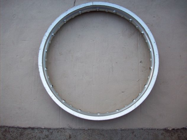 Cerchio posteriore raggio 19