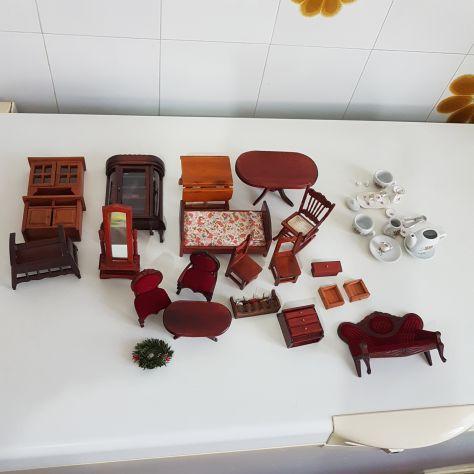 Casa delle bambole miniature mobili tazzine