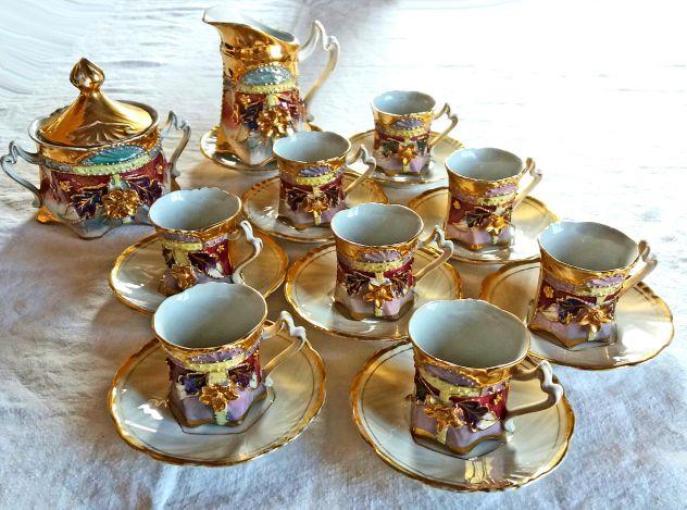 1910 ca.-Servizio da Caffè per 8 in porcellana con rilievi+oro zecchino e lustri