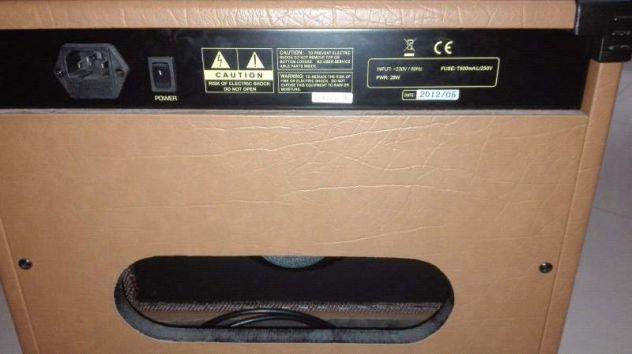 Amplificatore stagg 20W con cassa. Per chitarra - strumenti e MP3
