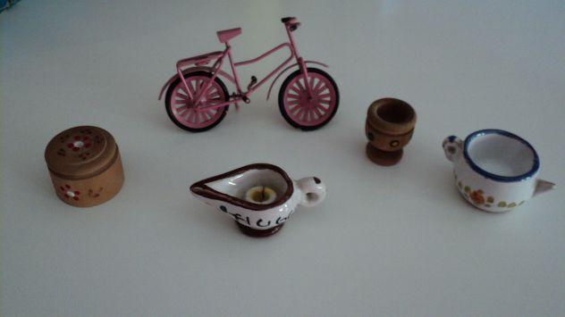 Minuterie in legno ceramica e metallo fatte a mano per bacheca o seposizione