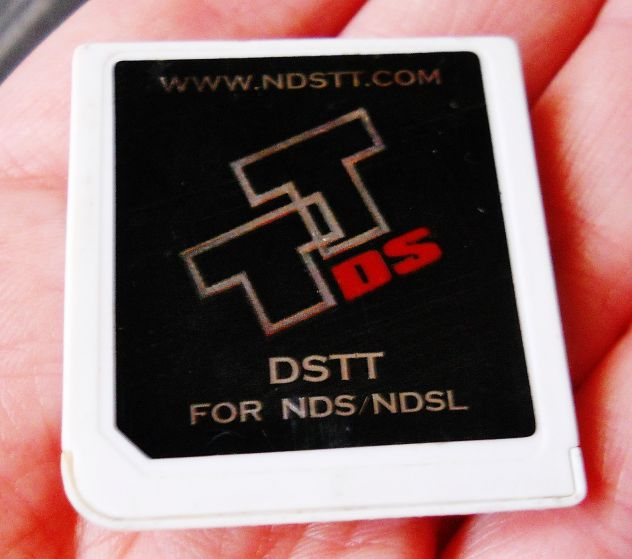 DSTT CARD SCHEDA NINTENDO DS / DS LITE / DSI adattatore rom R4 giochi cartuccia