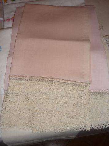 Tovaglie,asciugamani,grembiuli,centrini ricamati o dipinti a mano - Foto 8