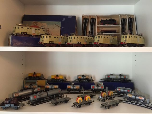 Cerco trenini vecchi elettrici per mia collezione
