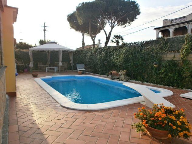 Ardea nuova florida villa con piscina annunci roma - Villa con piscina roma ...