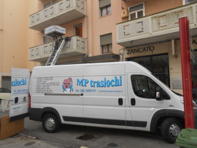 NOLEGGIO SCALA MONTACARICHI PER TRASLOCHI E MOBILIFICI  VI - Foto 2
