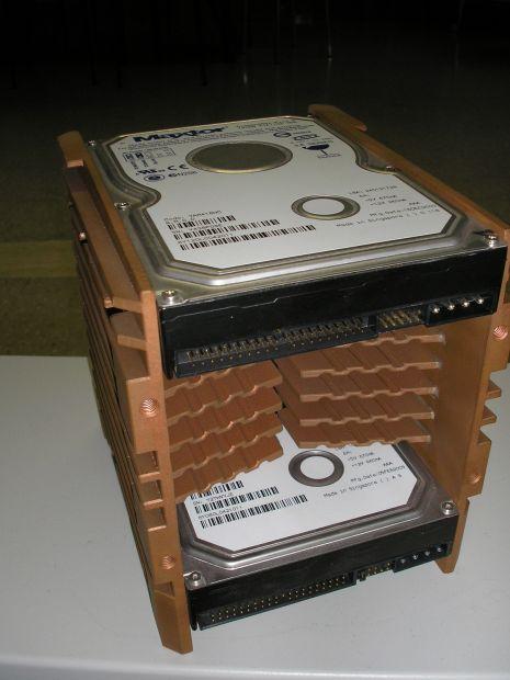 Supporto per 2 HDisk di raffreddamento in rame arigianale - Foto 3