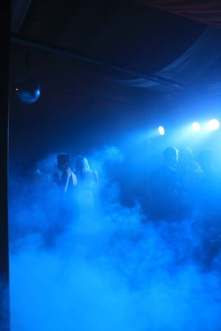 Noleggio affitto luci da discoteca ed effetti per feste for Noleggio tendoni per feste udine