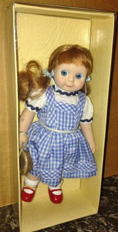 BAMBOLA DOROTHY IL MAGO DI OZ PORCELLANA WIZARD OF OZ  PORCELAIN DOLL COLLEZIONE