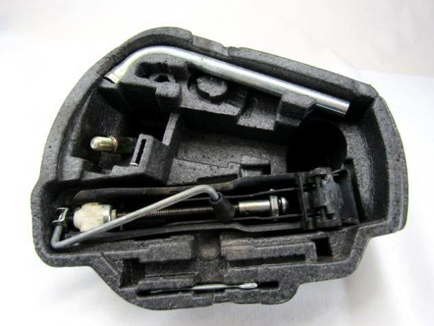 1J0012115S CRIC MARTINETTO CON ATTREZZI SEAT LEON 1.9 96KW 5P D 6M (2005) R …