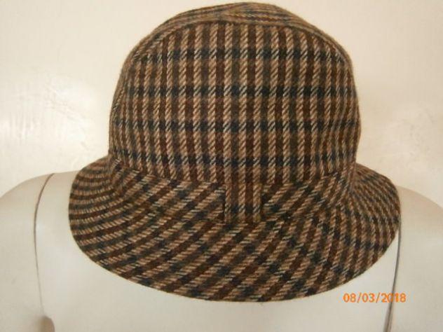 Cappello Doria pied de puole mai usato misto cachemire - Annunci Trieste 9a80b6a3e7d4