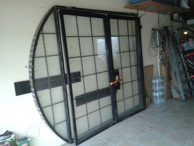 Portone ferro-vetro doppio a 2 ante