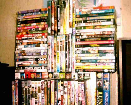 VHS e DVD ex noleggio per adulti