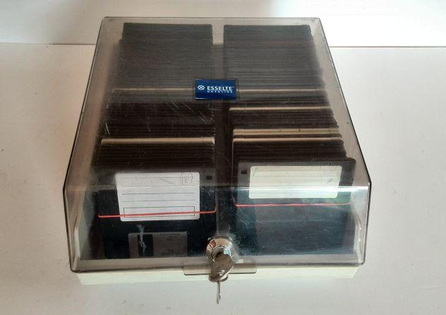 RACCOGLITORE con Floppy Disk